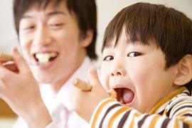 しっかり噛んで食事ができるのイメージ